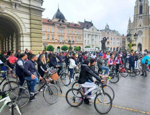 Istina, novosadski je voziti bicikl